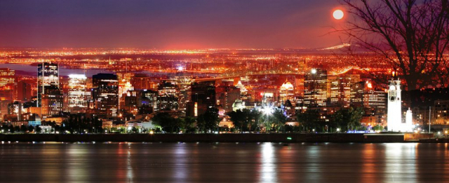 Montreal Skyline in a Beautiful Night - Royalty-Free Stock Imagery