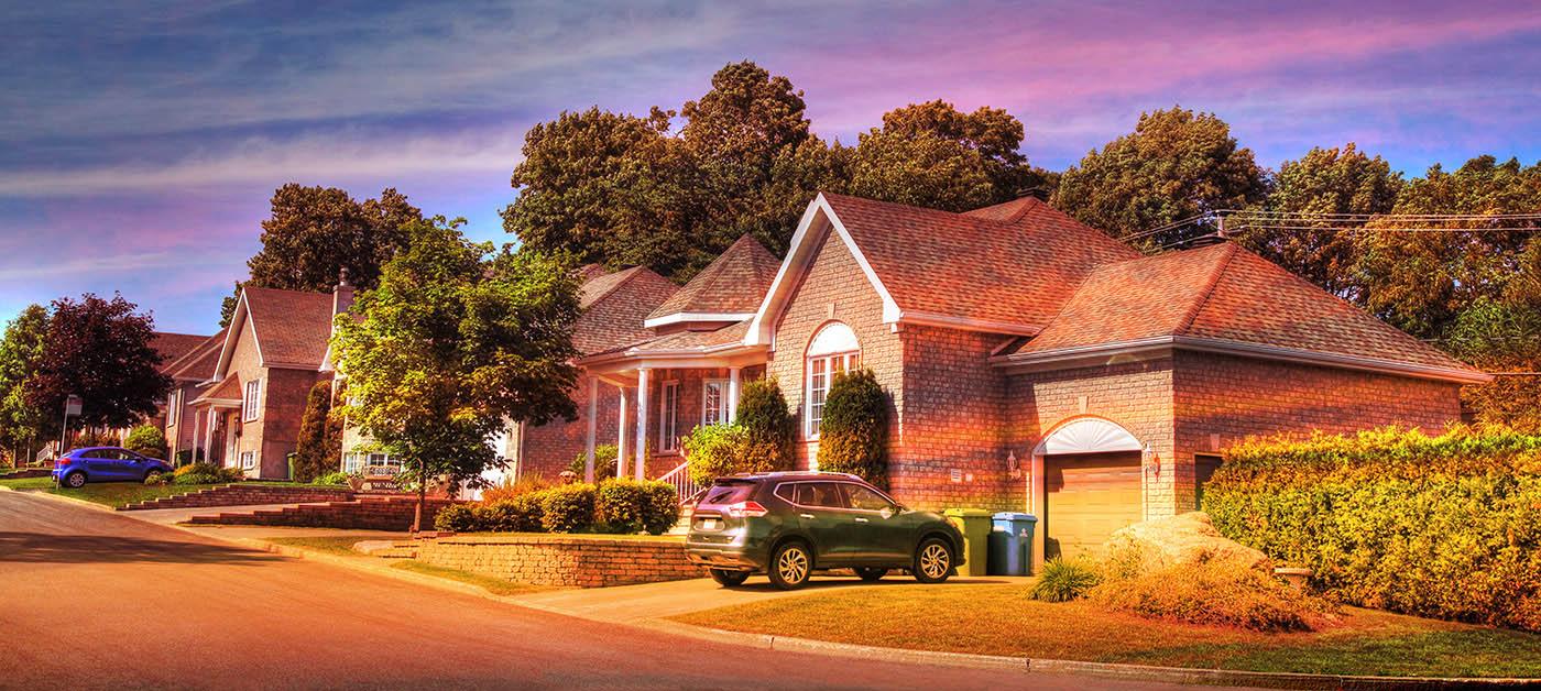Cozy Neighborhood 01 - Royalty-Free Stock Imagery