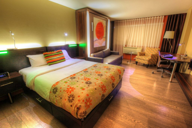 Colorful Hotel Room - Royalty-Free Stock Imagery