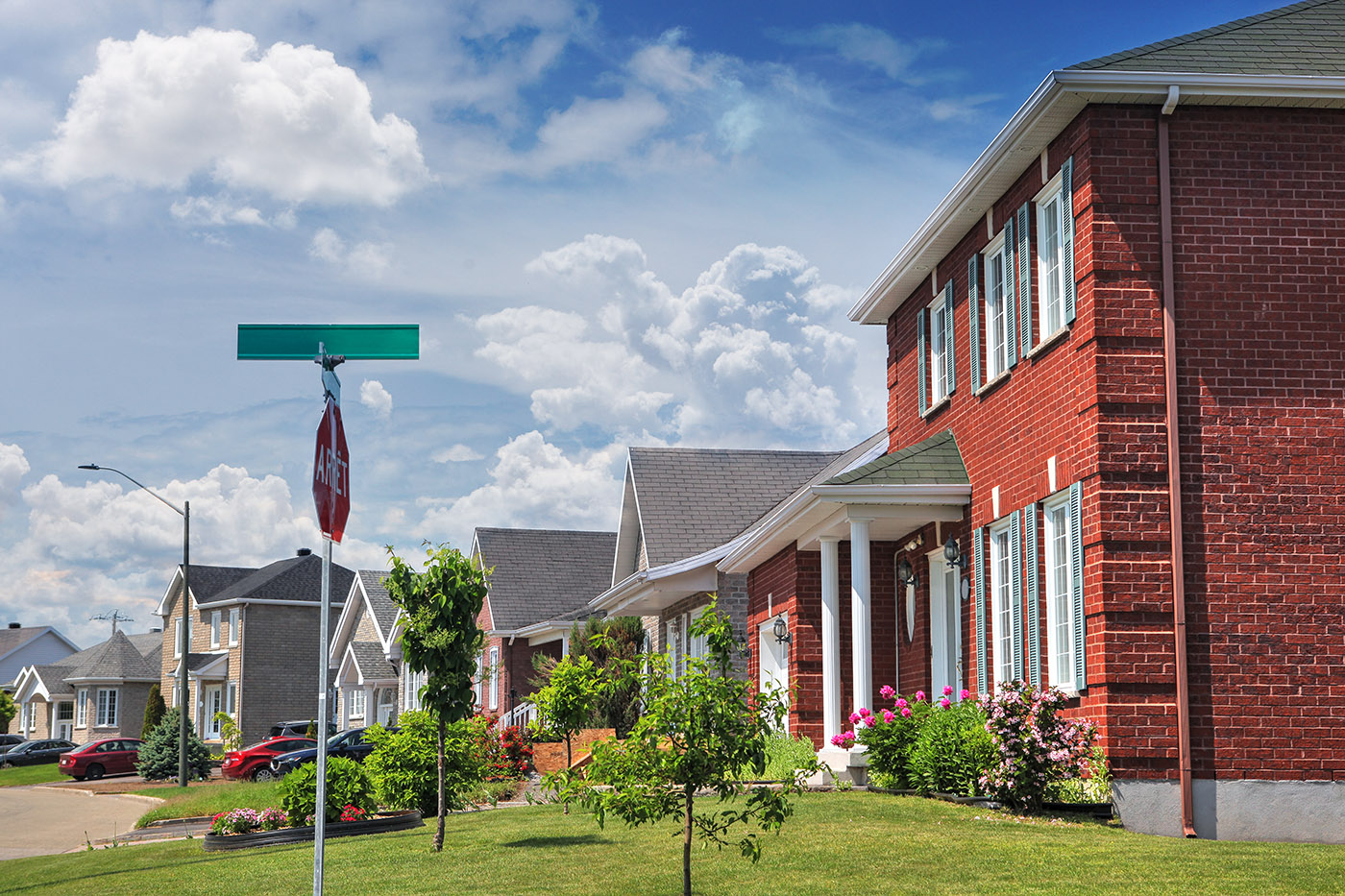 Quiet Neighborhood - Royalty-Free Stock Imagery