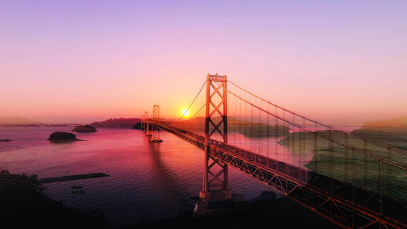 Surreal Suspension Bridge 03 - Royalty-Free Stock Imagery