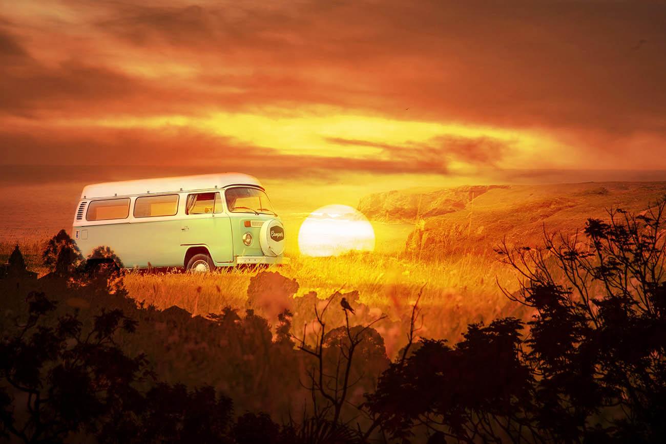 Vintage VW Camper Van Road Trip 05 - Royalty-Free Stock Imagery
