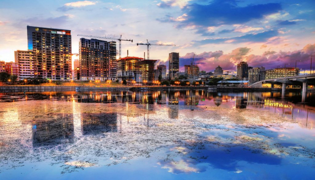 2020 Montreal City at Sunset with Water Reflection - Royalty-Free Stock Imagery